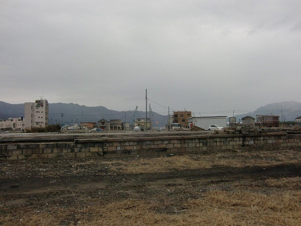 陸中山田駅裏(山田町川向町)