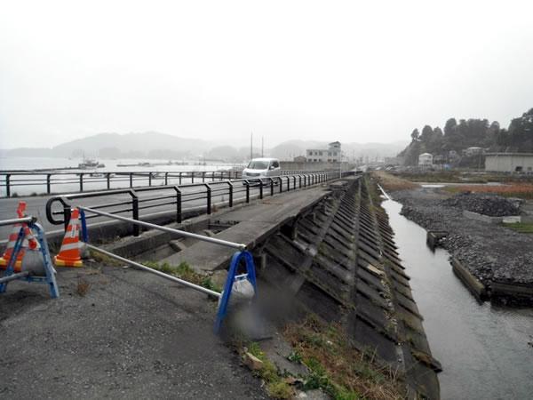 宝来橋より北浜方面(国道45号)