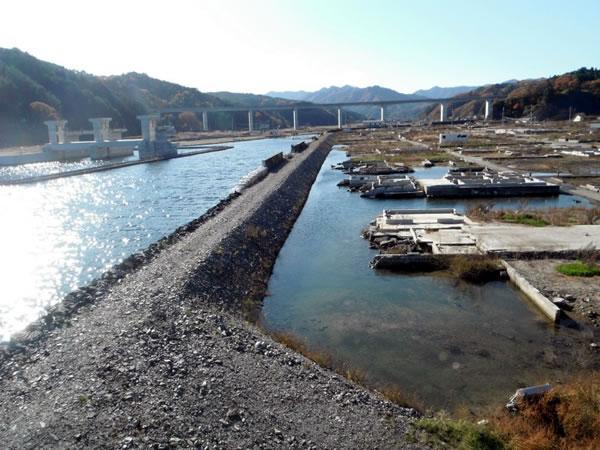 織笠川堤防