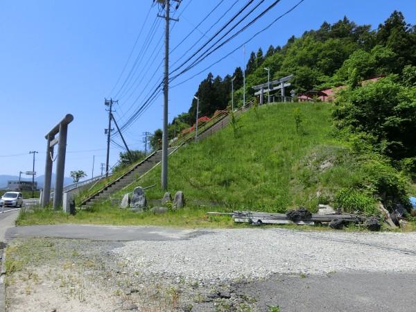 魚賀波間神社付近