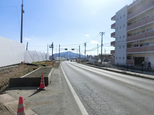 大沢小学校入口